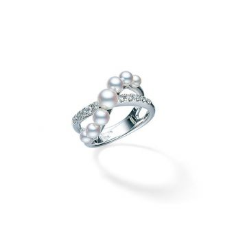 18 KARAT WHITE GOLD MIKIMOTO DIAMOND/PEARL RING